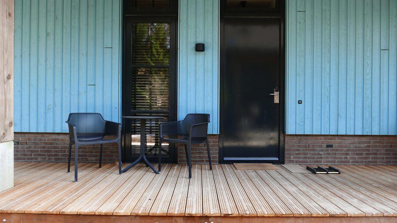 Prachtig duurzame veranda van hardhout bij Boutique Hotel Beekhuizen