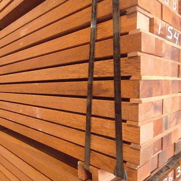 Hardhouten palen met FSC keurmerk