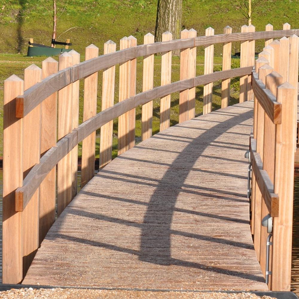 Hardwood application for a wooden bridge