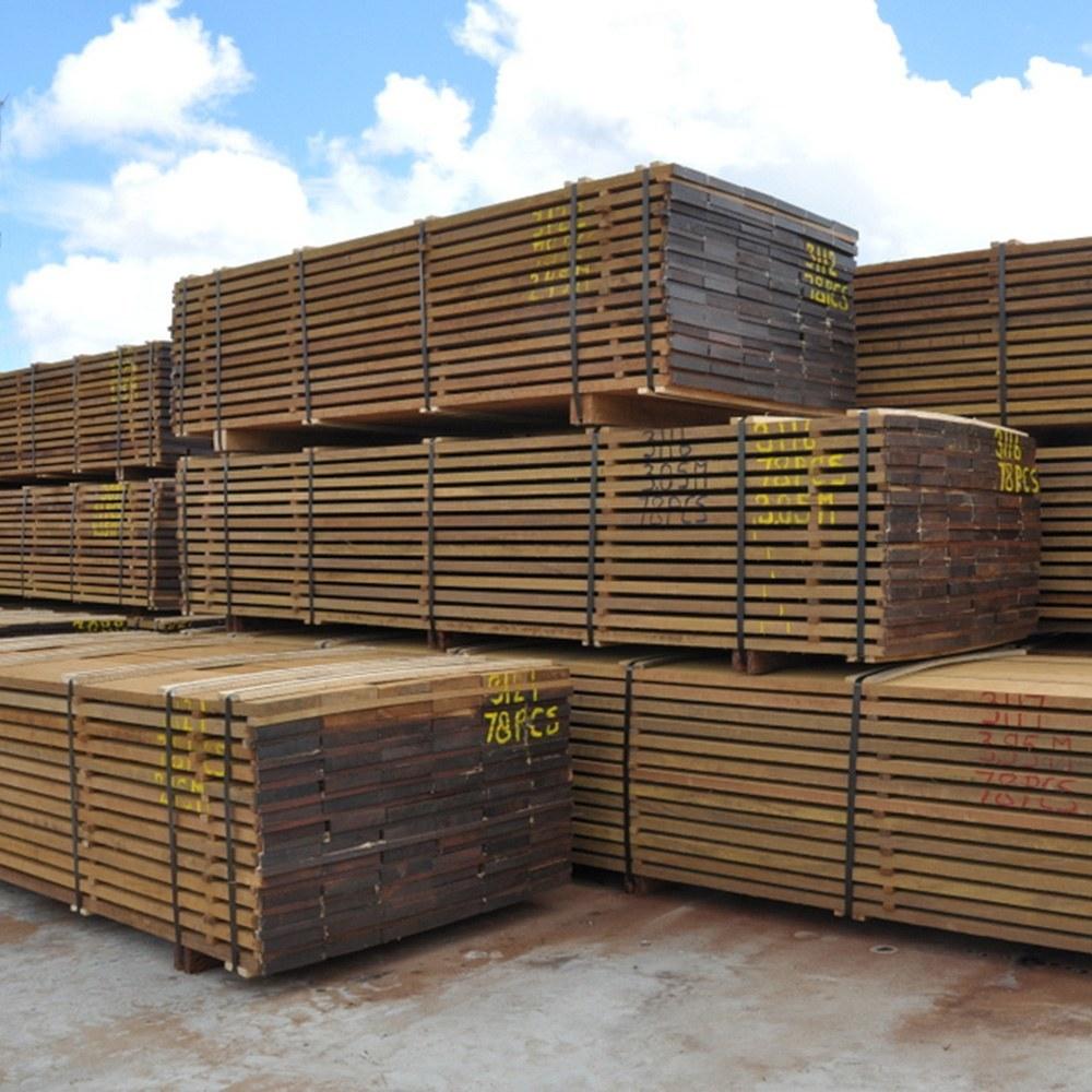Hardwood planks in many standard sizes