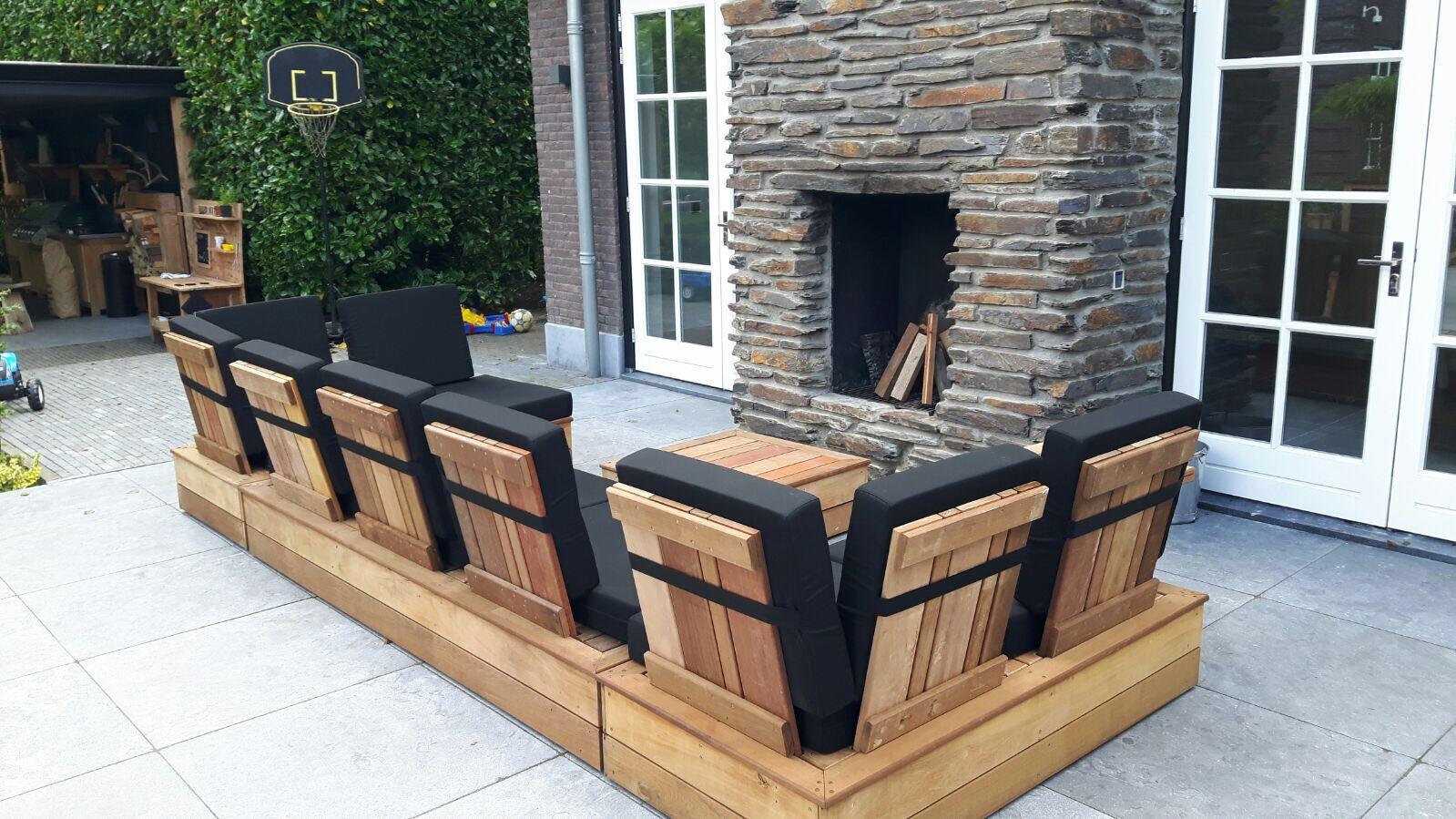 Tuinbank van Upcycled Wood
