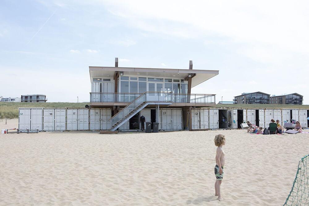 Vooraanzicht Surfclub Katwijk