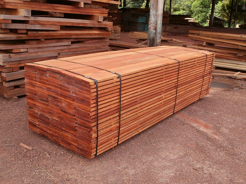 Timborana houten planken