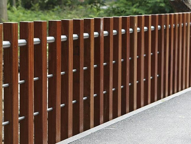 Nicolaasbrug wooden bridge railing (The Netherlands)
